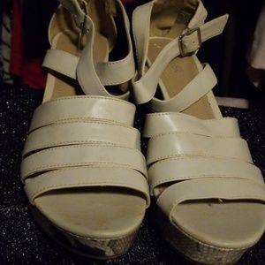 Kenneth Cole Platform Sandal